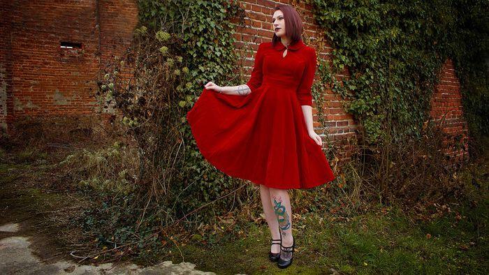 Perfekt für Weihnachten – das Glamourous Velvet Tea Dreams Dress