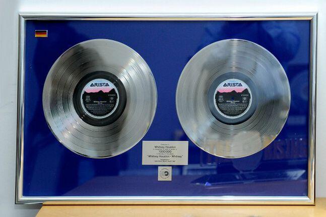 Goldene Schallplatte gefällig? Mit Golden Charity nun für (fast) jedermann möglich!