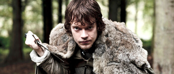 Alfie Allen alias Theon Greyjoy aus GAME OF THRONES im Interview
