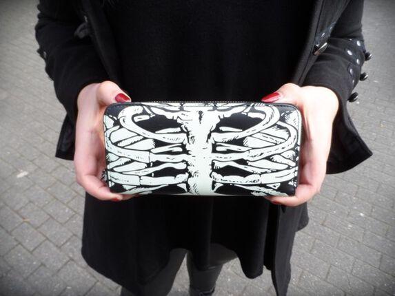 Stylisch im Dunkeln Part 2: RIP Wallet by Banned