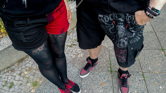 Beinfreiheit mit den Shorts von Rock Rebel by EMP