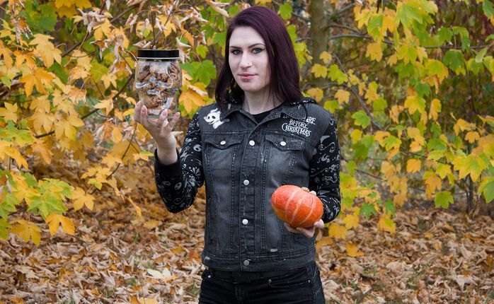 Halloween mit der Jack Jeansjacke von The Nightmare Before Christmas