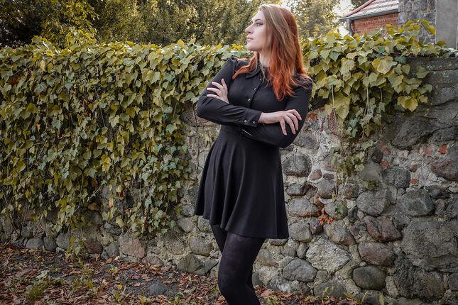 Autumn Vibes mit dem Pentacle Dress von Banned Alternative
