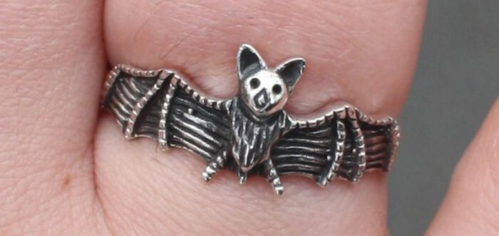 Vampirisch gut: Der Bat Ring