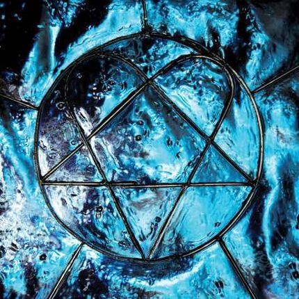 """""""XX - Two Decades Of Love Metal"""" von HIM als passende Einstimmung auf mehr!"""