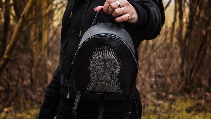Valar Morghulis – der Iron Throne Mini-Rucksack von Danielle Nicole
