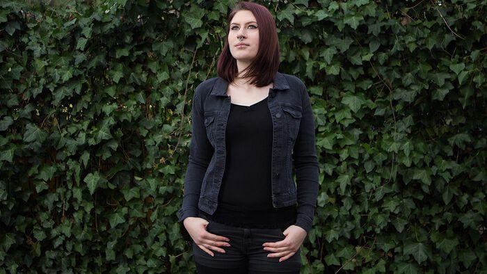 Frühlingsreif mit der Debra Black Wash Denim Jacket von Noisy May