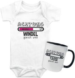 Babybody + Tasse Windel gleich voll