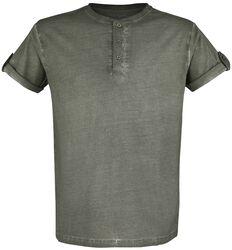 grünes T-Shirt mit Knopfleiste und umgeschlagenen Ärmeln