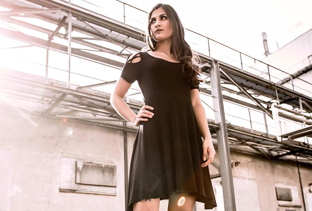 new arrival e71c7 dd700 Kleider für Frauen online kaufen | EMP Kleider Shop