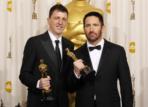 Atticus Ross und Trent Reznor pose backstage at the 83rd Academy Awards in Hollywood